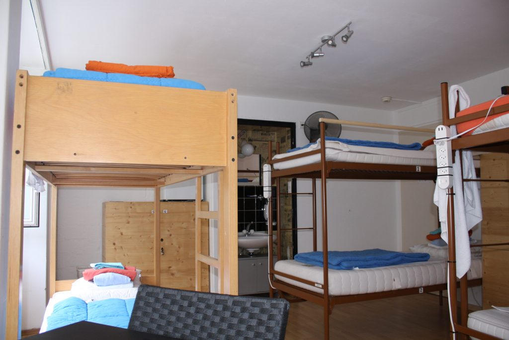6-bed dorm mixed 31